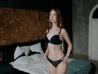 DianaMilton Adults Only!-I'm here to become