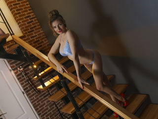 AlexisBelleLove Webcam With Her-I am very atractive