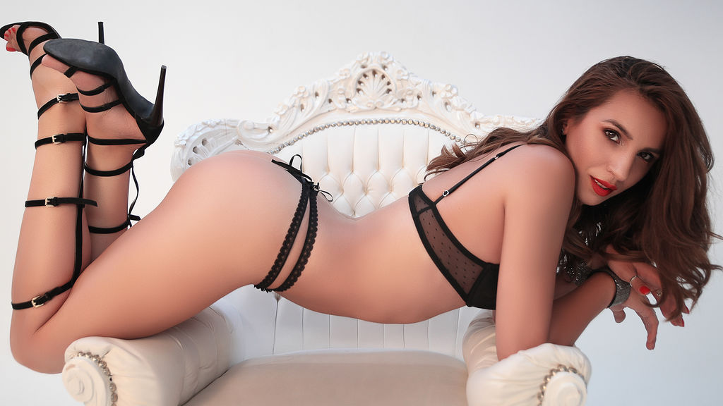 Watch the sexy RomanticYsabel from LiveJasmin at GirlsOfJasmin