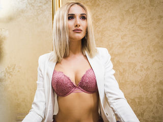 VeroniqueRicci Masturbate-Hey guys I am