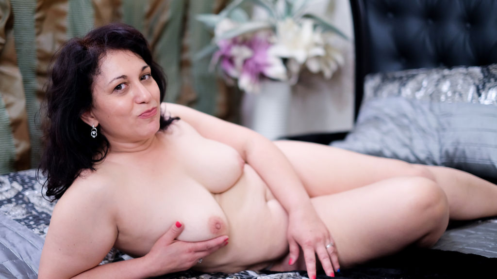 Watch the sexy MiaSweetest from LiveJasmin at GirlsOfJasmin