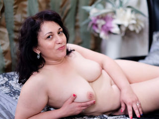 VIVO.webcam MiaSweetest (44) MILF with normal breasts