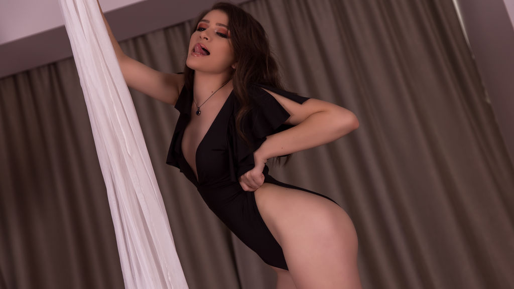 Watch the sexy AyannaAfrim from LiveJasmin at GirlsOfJasmin