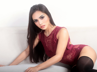 image of shemale cam model SilviaHotlineX