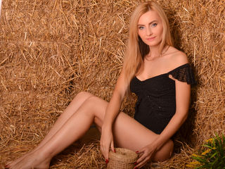 29 petite white female blonde hair blue eyes MeltingJulia