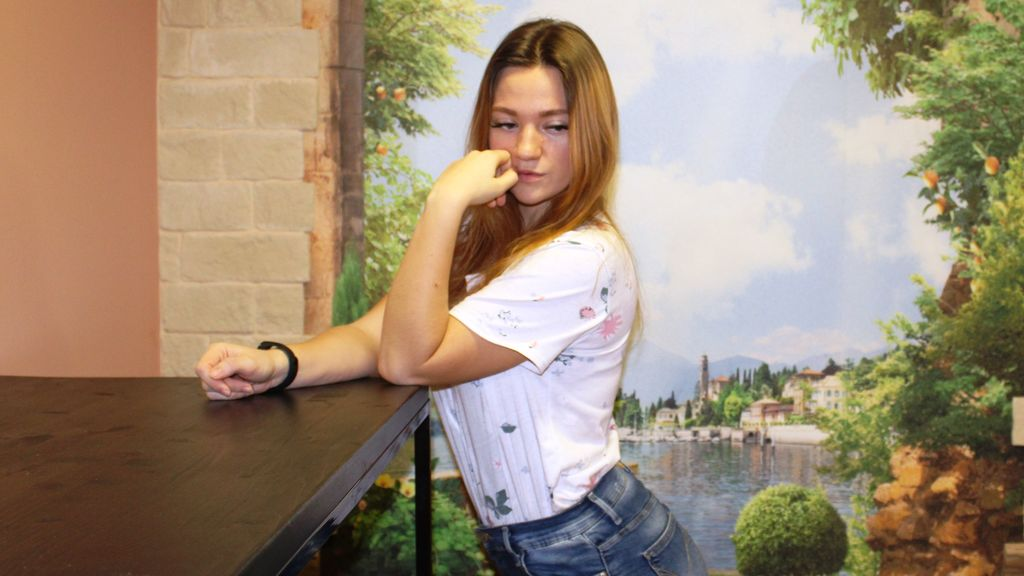 PurpleSnow online at GirlsOfJasmin