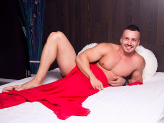 NathanHunterX Adults Only!-I`m very playful and
