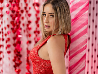Webcam model AdeleGorgeousxx from Web Night Cam