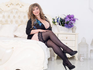 Queenxxx Adults Only!-hello guys! im alice