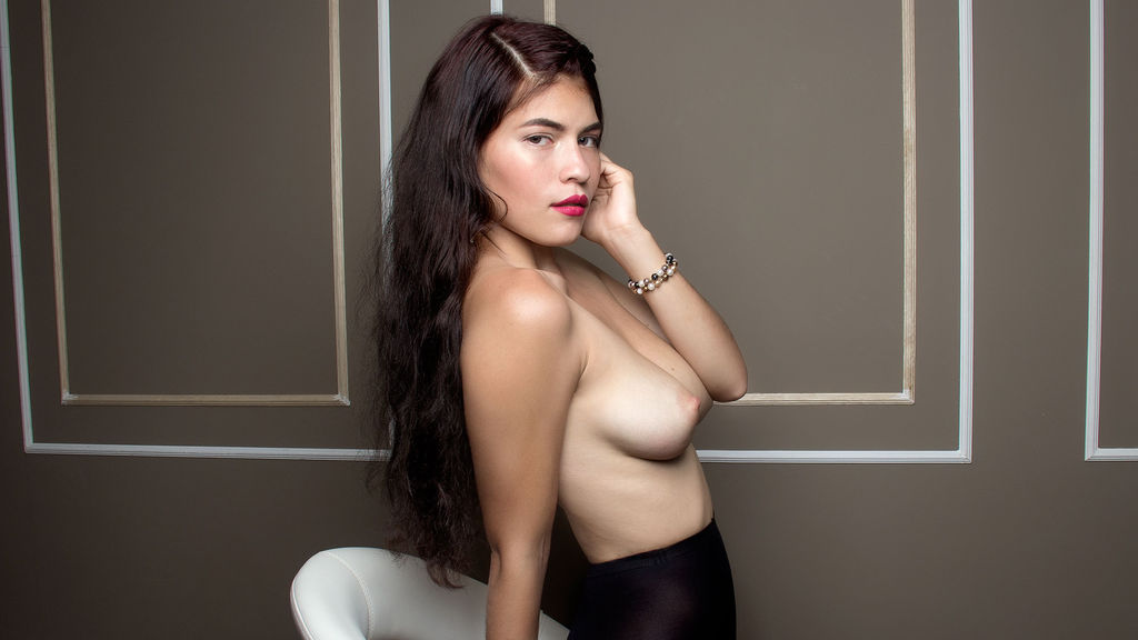 Watch the sexy LanaLong from LiveJasmin at GirlsOfJasmin