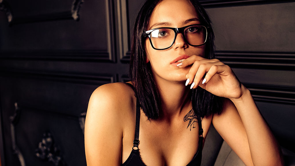 VikkiFaery online at GirlsOfJasmin