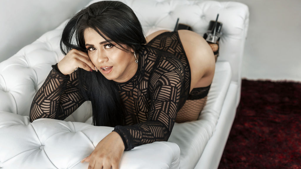 Watch the sexy CarolPeer from LiveJasmin at GirlsOfJasmin