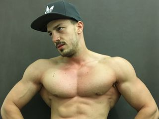 Sexy profile pic of sweetboyandre