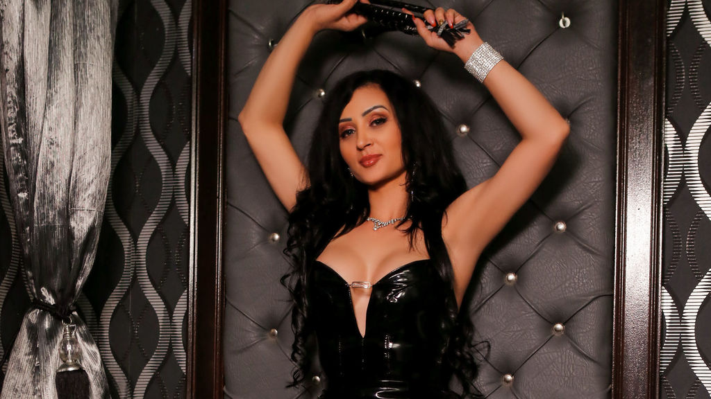 Watch the sexy TheQueenKarina from LiveJasmin at GirlsOfJasmin
