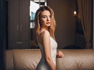 18 petite white female blonde hair blue eyes OfeliaNelson chat room