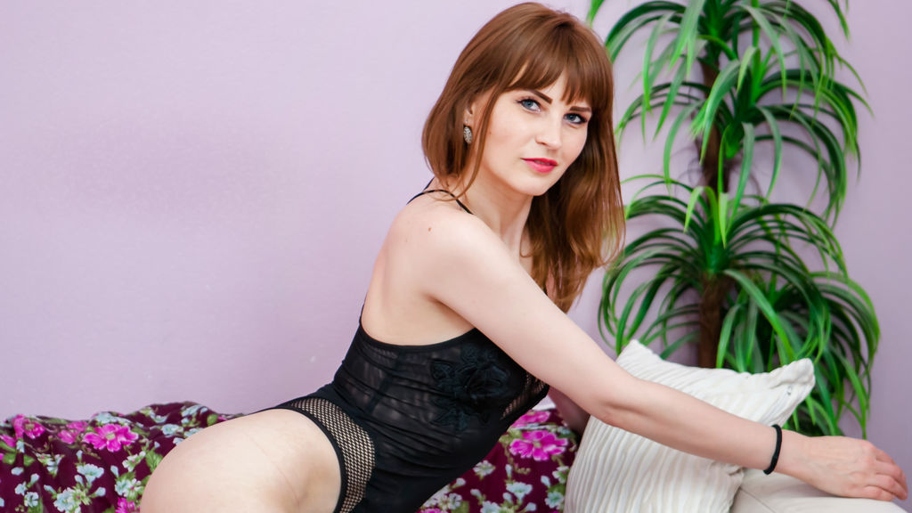 Watch the sexy EleonoraPru from LiveJasmin at GirlsOfJasmin