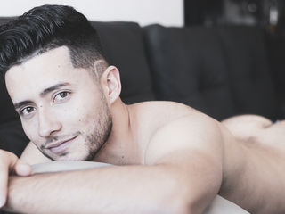 anthonyreall Sex-I am a serious boy,
