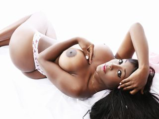 26 athletic ebony female black hair brown eyes 1xcandyhotx