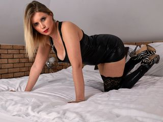 38 petite white female blonde hair blue eyes DoreenLive