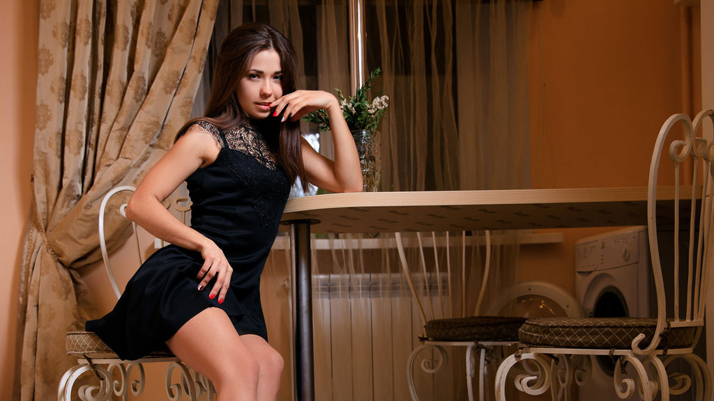 Watch the sexy Bellia from LiveJasmin at GirlsOfJasmin